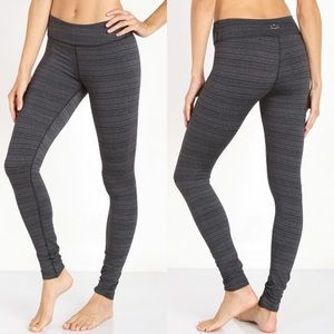 Beyond Yoga Stripe Essential Long Leggings